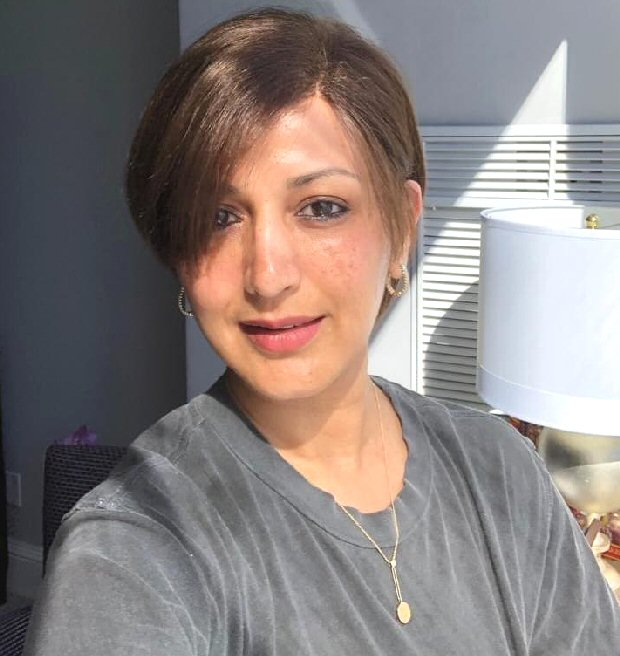 Amid cancer battle, Sonali Bendre flaunts new look with a bright smile in New York