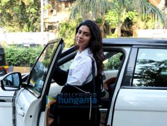 Khushi Kapoor snapped post salon session in Juhu