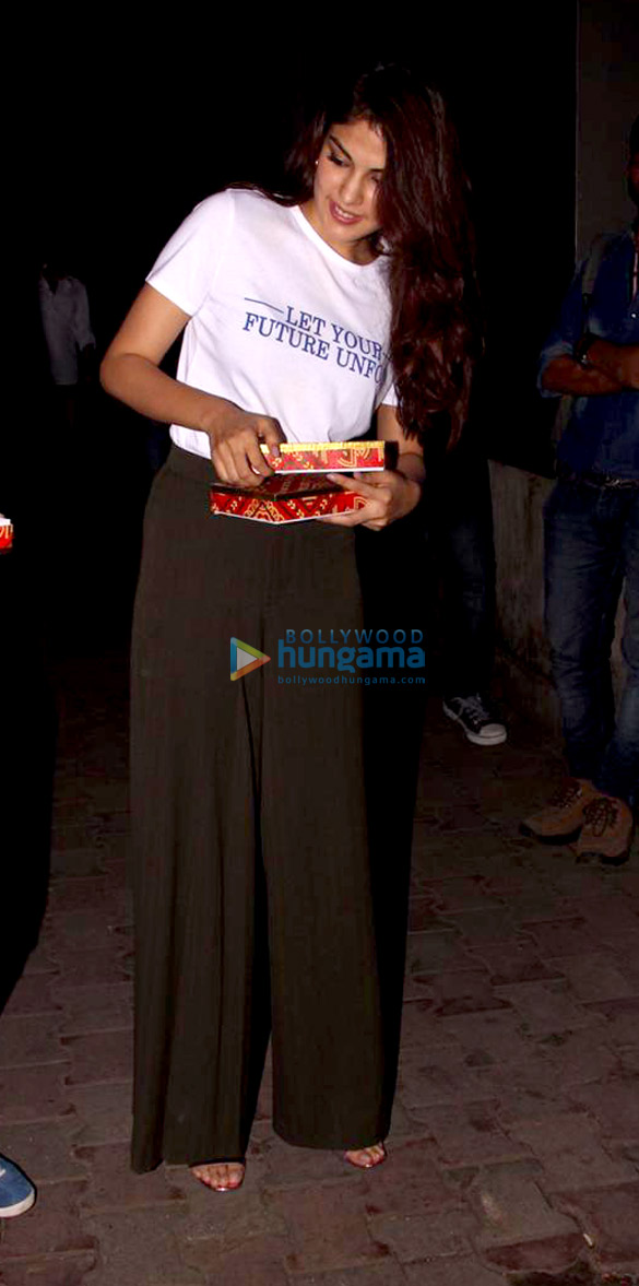 Varun Mitra and Rhea Chakraborty spotted at Vishesh Flims' office promoting their film Jalebi (5)