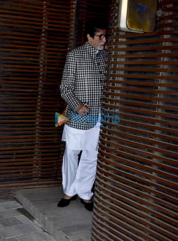 Aishwarya Rai Bachchan, Abhishek Bachchan, Amitabh Bachchan and Parineeti Chopra snapped in Juhu (5)