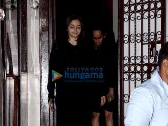 Alia Bhatt snapped at Shankar Mahadevan's dubbing studio (2)