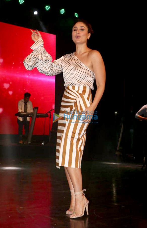 Kareena Kapoor Khan snapped at the launch of 'What Women Want' show of Ishq 104.8 FM (1)