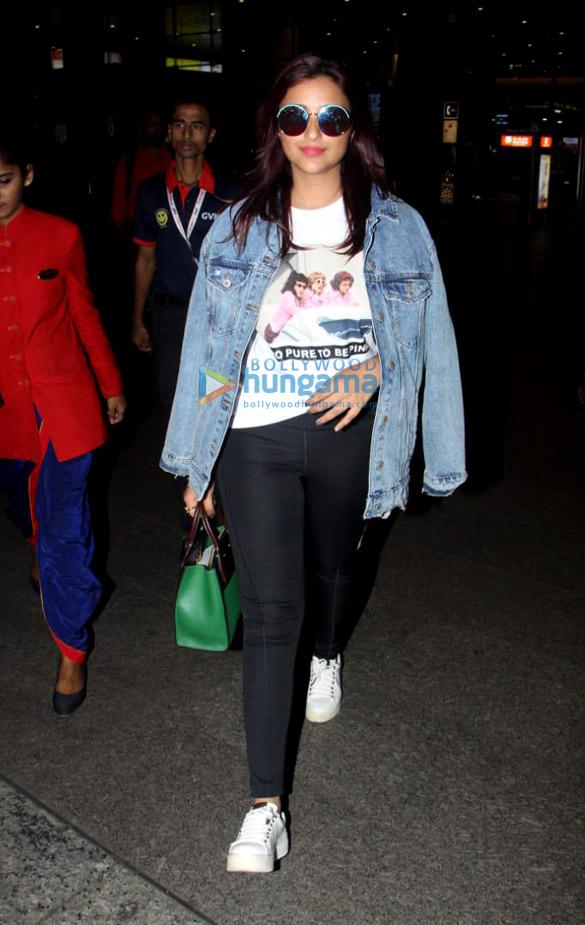 Ranveer Singh, Deepika Padukone and Parineeti Chopra snapped at the airport (6)