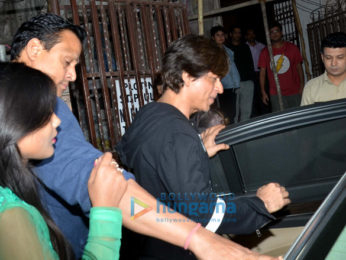 Shah Rukh Khan spotted at a dubbing studio in Bandra
