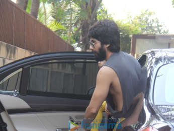 Shahid Kapoor, Mira Rajput and Misha Kapoor snapped in Juhu