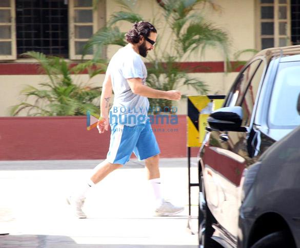 Shahid Kapoor and Saif Ali Khan snapped at the gym