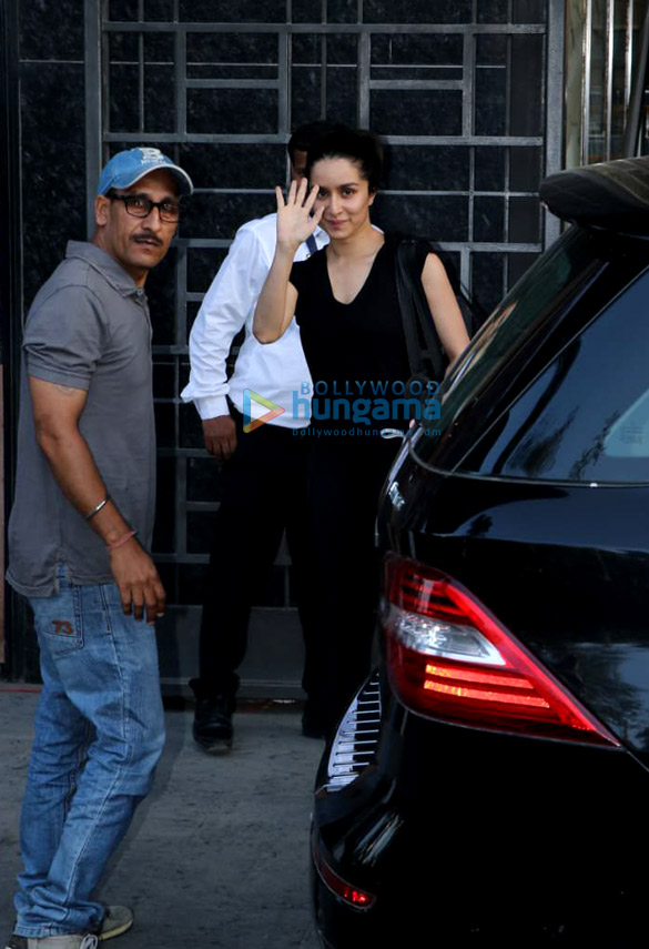 Shraddha Kapoor spotted at a gym in Bandra (6)