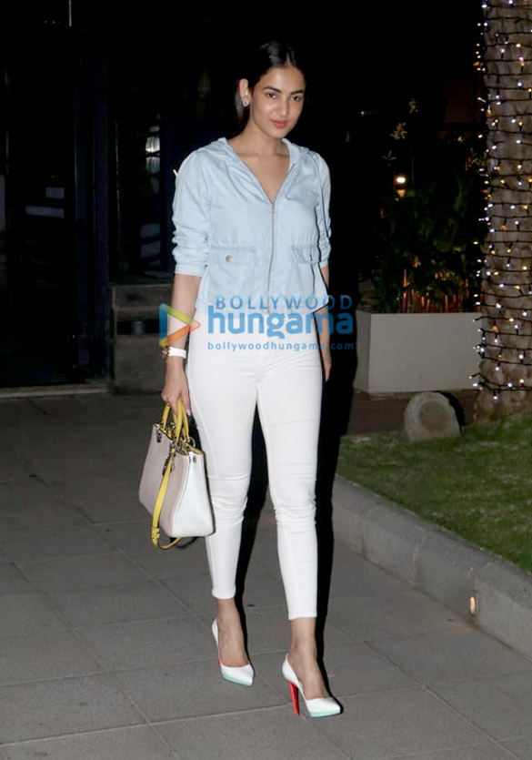 Sonal Chauhan and Anupam Kher spotted at Yauatcha in BKC (1)