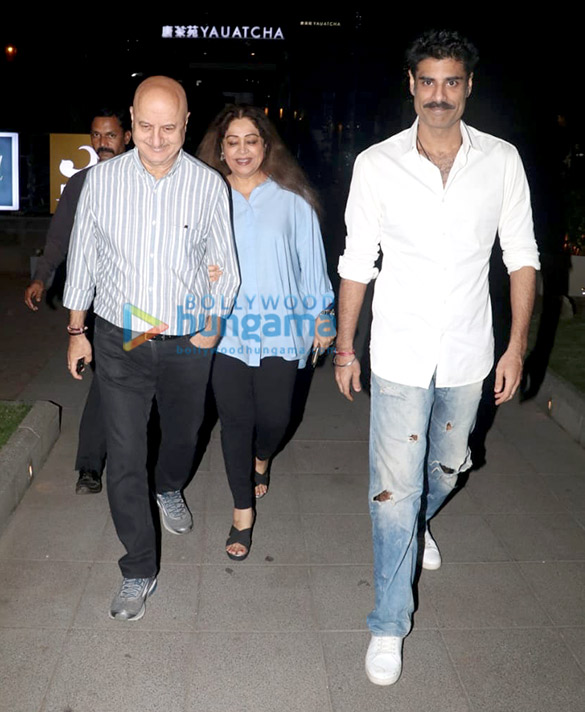 Sonal Chauhan and Anupam Kher spotted at Yauatcha in BKC (5)