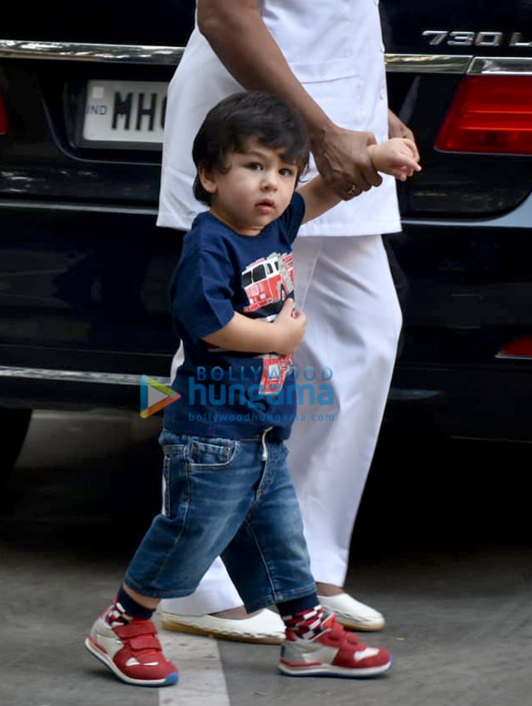 Taimur Ali Khan and Tusshar Kapoor's son Laksshya spotted in Bandra (4)