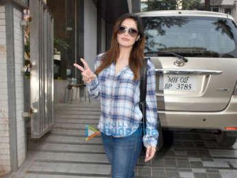 Zareen Khan spotted in Bandra