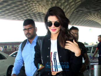 Jacqueline Fernandez, Kartik Aaryan, Anupam Kher and others snapped at the airport