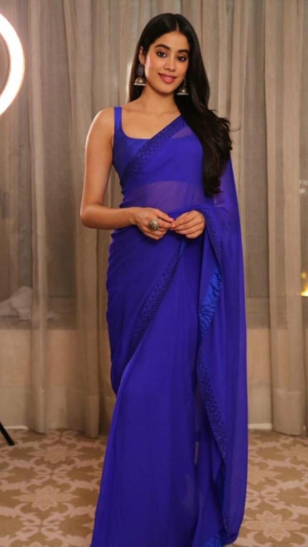 Janhvi Kapoor in Arpita Mehta (2)
