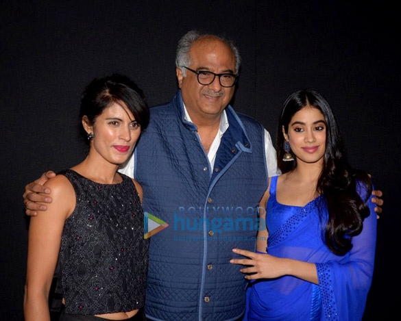 Janhvi Kapoor in Arpita Mehta (7)