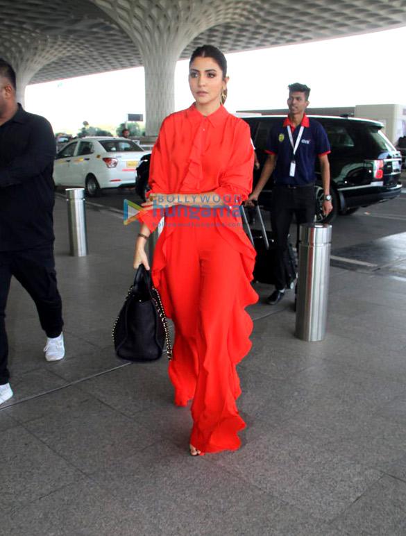Kareena Kapoor Khan, Sonam Kapoor Ahuja, Alia Bhatt and others snapped at the airport