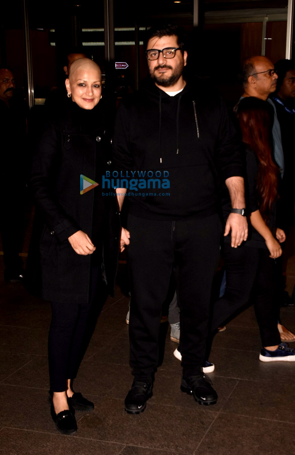Sonali Bendre and Goldie Behl snapped at the airport (2)