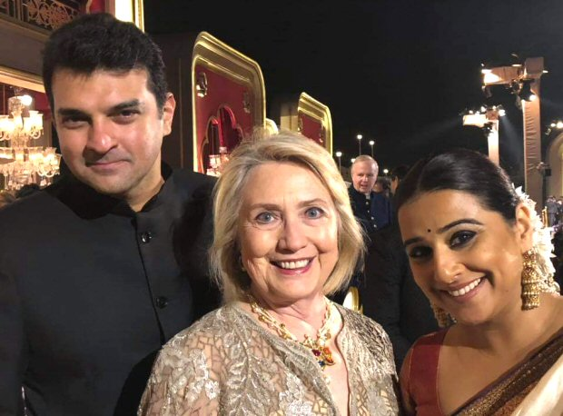 When Vidya Balan clicked a precious picture with Hillary Clinton, thanks to Smriti Irani