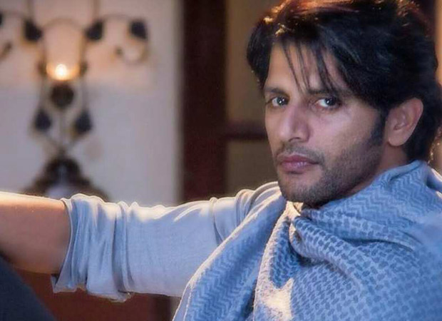 Bigg Boss 12 contestant Karanvir Bohra gets detained at Moscow airport and he REACTS to this incident on Twitter!