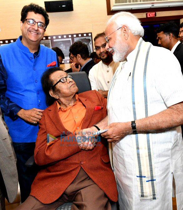 Aamir Khan, Rohit Shetty, Aanand. L. Rai, Subhash Ghai and others meet Sports Minister Rajyavardhan Rathore