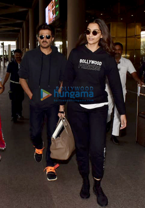 Anil Kapoor and Sonam Kapoor Ahuja snapped at the airport (4)