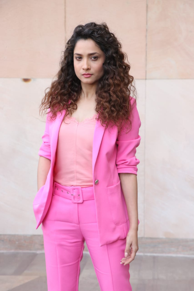 Ankita Lokhande in Cover story pink pantsuit (3)