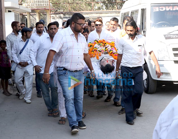 Celebs attend the last rites ceremony of Govinda's nephew Dumpy (6)