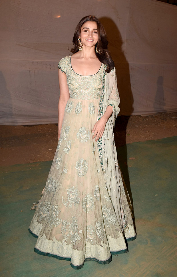 Alia Bhatt in Tarun Tahiliani Couture for Umag 2019 Mumbai Police Show (2)