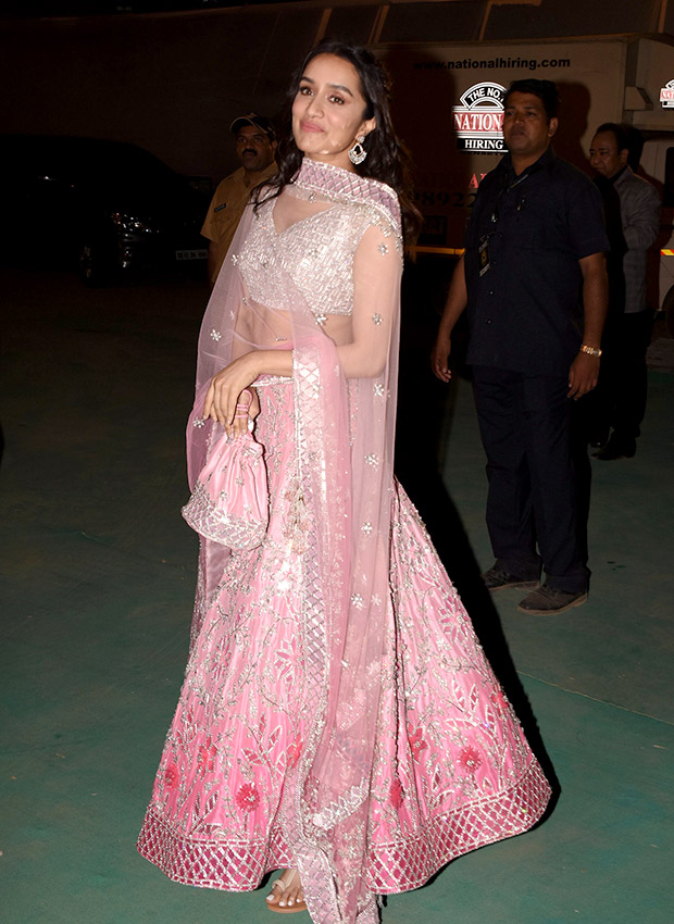 Shraddha Kapoor in Manish Malhotra Couture for Umang 2019 Mumbai Police Show (4)