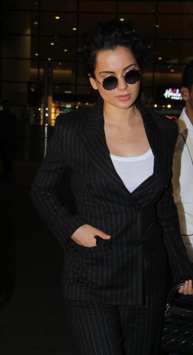 Kagana Ranaut in H&M at the airport (4)
