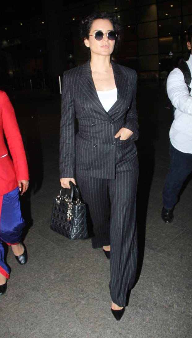 Kagana Ranaut in H&M at the airport (5)