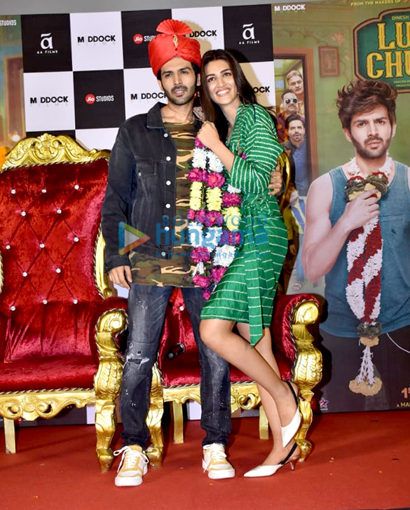 Kartik Aaryan, Kriti Sanon, Pankaj Tripathi and others grace the trailer launch of 'Luka Chuppi'2 (3)