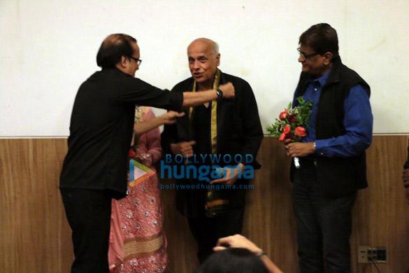 Mahesh Bhatt attends 70 year celebrations of Guru Nanak Khalsa College in Matunga (5)