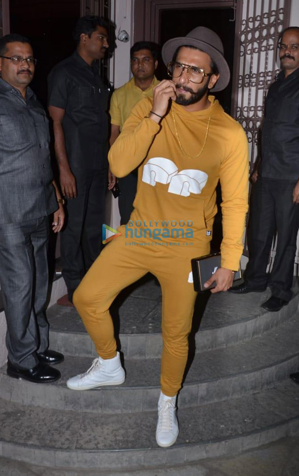 Ranveer Singh spotted at dubbing studio (4)