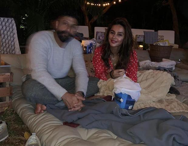 Shibani Dandekar enjoys a movie night in a romantic setting with boyfriend Farhan Akhtar on his birthday