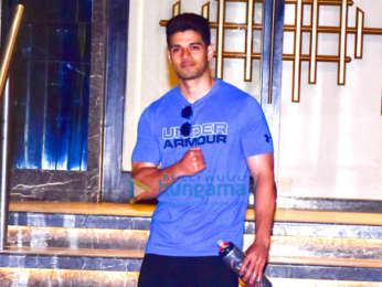 Sonal Chauhan and Sooraj Pancholi spotted at the gym in Juhu
