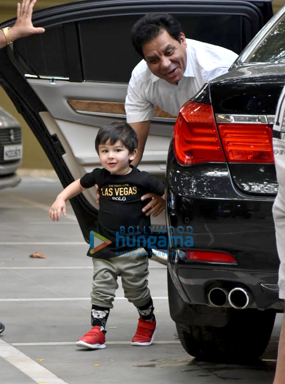 Taimur Ali Khan spotted at his play School in Bandra (2)
