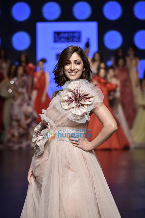 Yami Gautam walks the ramp for Gauri and Nainika at Lakme Fashion Week Summer Resort 2019 (1)