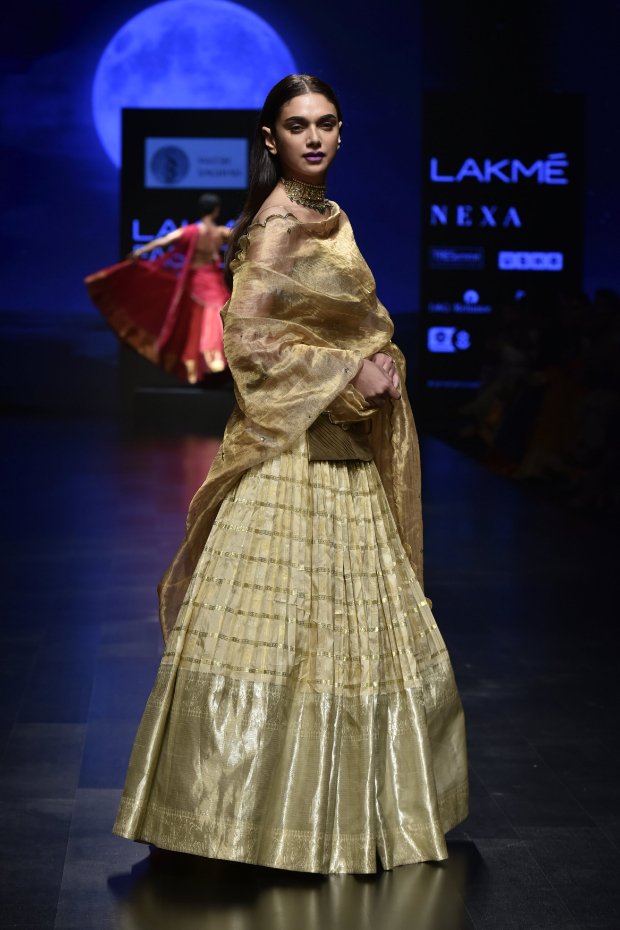 Aditi Rao Hydari for Sailesh Singhania at LFW 2019 Summer_Resort (3) (1)