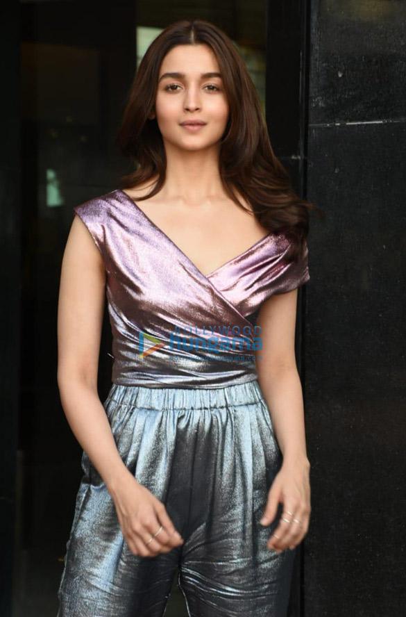 Alia Bhatt snapped in Mumbai (2)