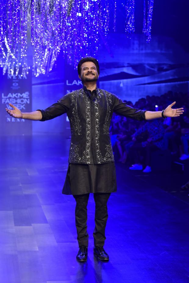 Anil Kapoor and Janhvi Kapoor for Raghavendra Rathore at LFW 2019 Summer Resort (4)