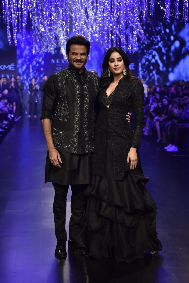 Anil Kapoor and Janhvi Kapoor for Raghavendra Rathore at LFW 2019 Summer Resort (6)
