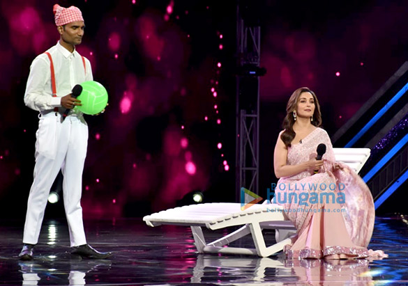 Anil Kapoor and Madhuri Dixit snapped promoting 'Total Dhamaal' on sets of Super Dancer Chapter 3 (1)