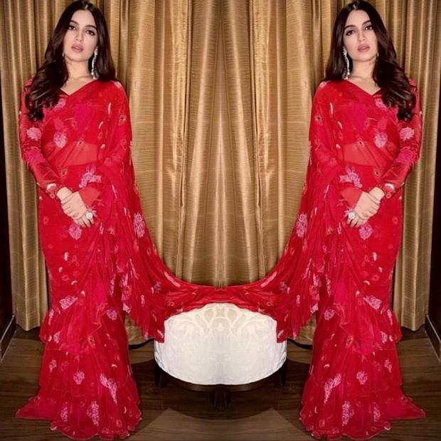 Bhumi Pednekar in Arpita Mehta concept ruffle saree for Sonchiriya promotions (6)