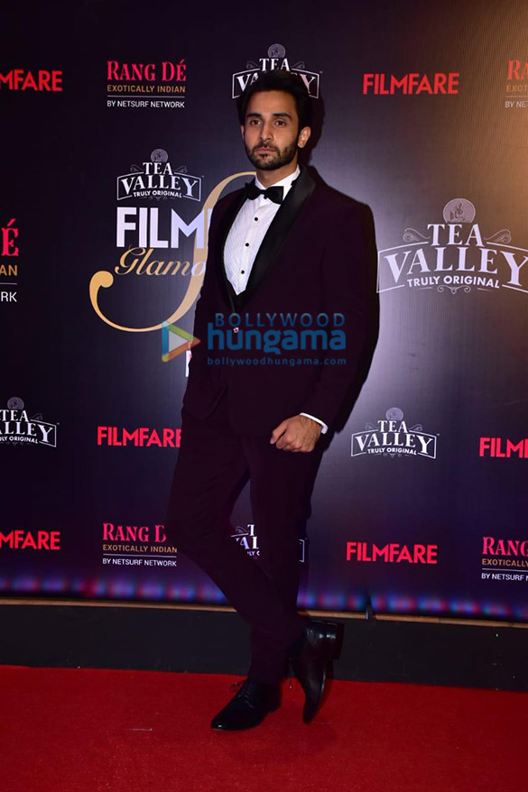 Celebs grace Filmfare Glamour and Style Awards 2019 at JW Marriott in Juhu-002 (10)