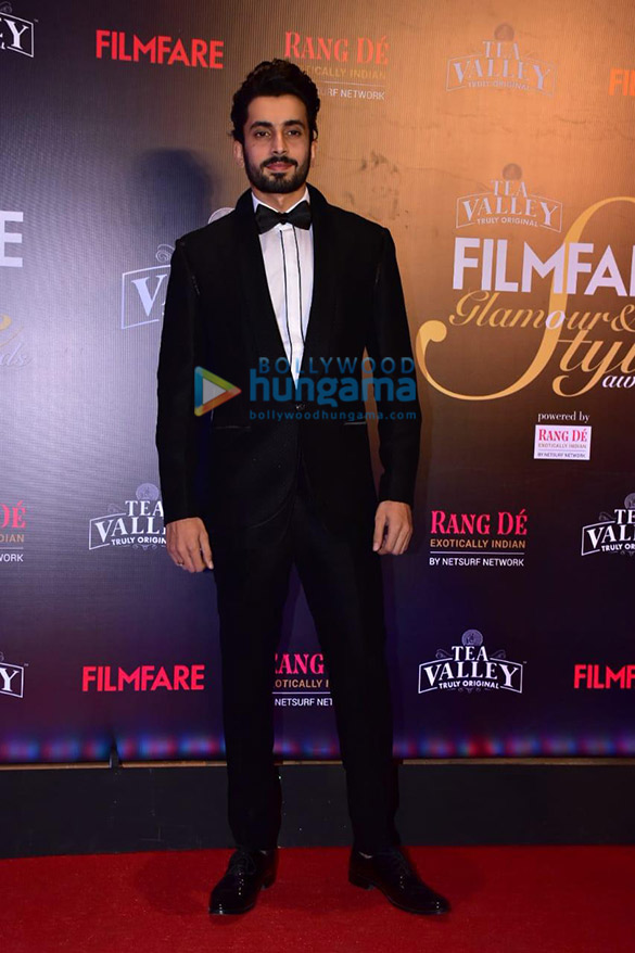 Celebs grace Filmfare Glamour and Style Awards 2019 at JW Marriott in Juhu-002 (2)