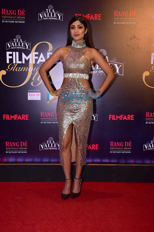 Celebs grace Filmfare Glamour and Style Awards 2019 at JW Marriott in Juhu-002 (9)