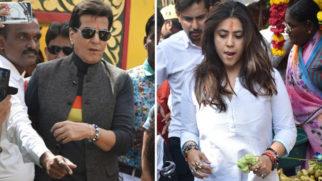 Ekta Kapoor and Jeetendra SPOTTED at Juhu Temple (2)