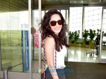 Kajol, Kriti Sanon, Varun Dhawan and others snapped at the airport