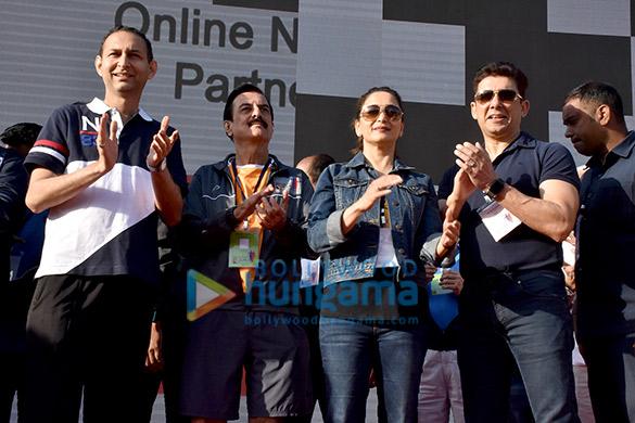 Madhuri Dixit graces the Parinee Juhu Half Marathon