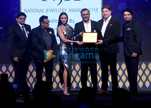 Malaika Arora graces the National Jewellery Awards 2018 (1)